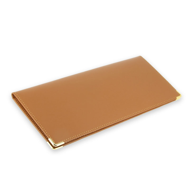 porte chequier cuir classique beige gold talon gauche 2